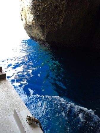 Bugibba, Malta: Bootstour zu und durch die Caves