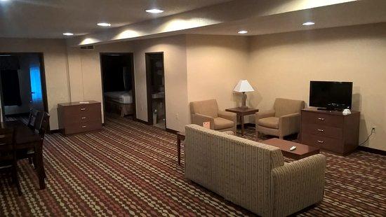 Best Western Ambassador Inn & Suites: sehr geräumig !