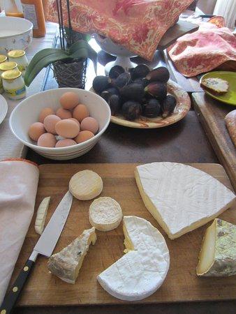 Lagnes, فرنسا: More breakfast goodies
