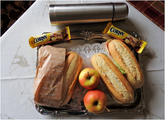 Hotel Haldenhof : Free packed lunch from hotel for Inghams guests