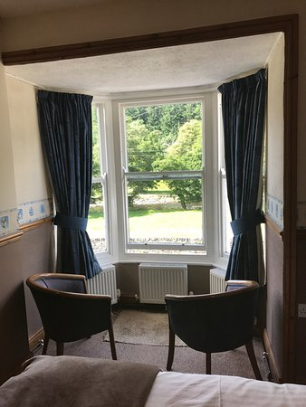 Glan Llugwy Guest House: Lovely bay window and seating area