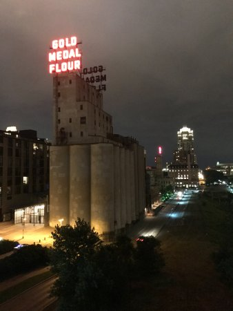 Guthrie Theater : looking toward the ruins