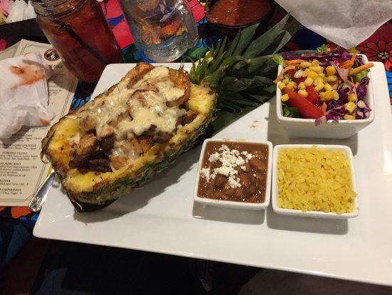 Mebane, Carolina del Norte: Piña Loca - Catrina's Tequila and Taco Bar