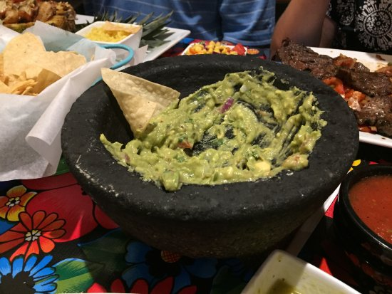 Mebane, Carolina del Norte: Guacamole - Catrina's Tequila and Taco Bar
