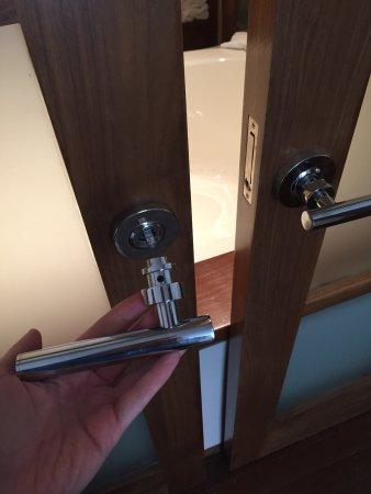 Portland Harbor Hotel Bathroom Door Handle Fell Off In My Hands