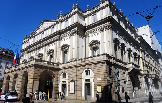 La Scala Tour Hours