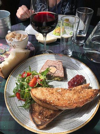 Brig o' Turk Tearoom and Restaurant: Terrina di carne con fois gras
