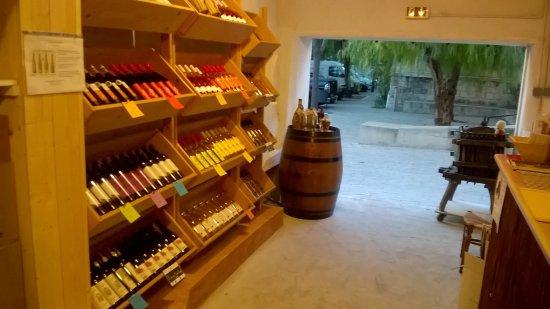 Vic-la-Gardiole, França: Le Placard à Pinard: vins bios et vins naturels