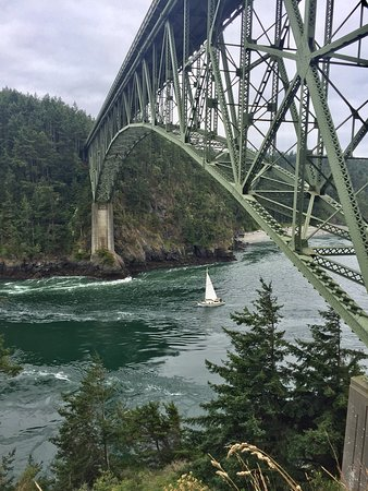 Oak Harbor, WA: Hiking in and around Deception Pass & Canoe Pass bridge