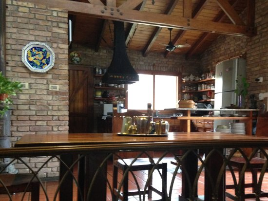 Casa Glebinias: Kitchen where delicious meals are prepared - feels like a private dining experience!