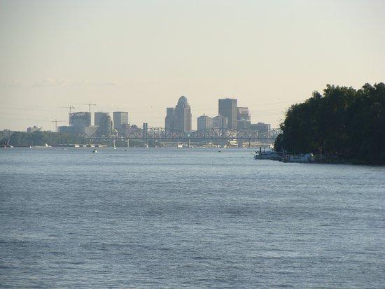 Belle of Louisville & Spirit of Jefferson : Downtown Louisville
