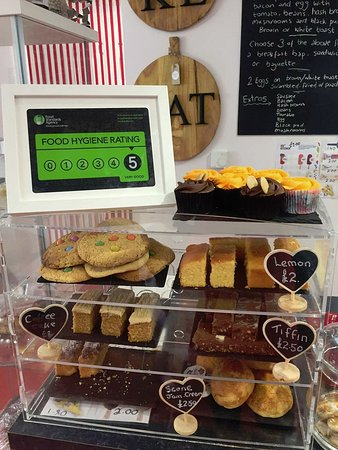 Brackley, UK: Cakes and ratings
