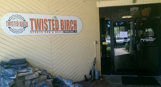 The Twisted Birch Sports Bar & Grill: Entrance