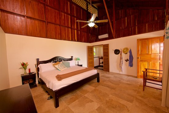 Pavones, Costa Rica: master with king bed