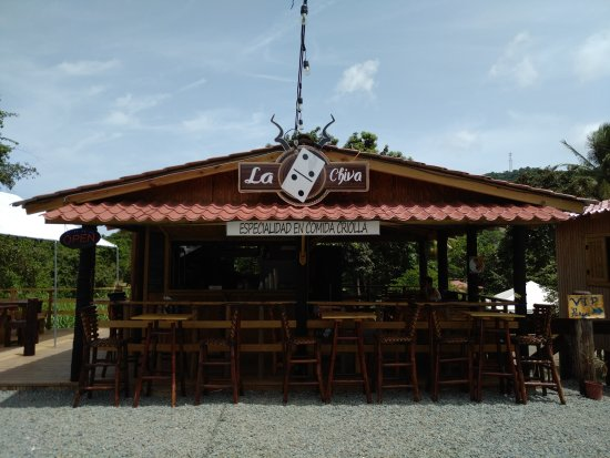 La Doble Chiva: Open for business!