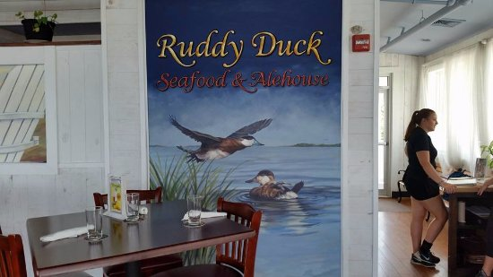 Piney Point, MD: Casual waterfront dining.