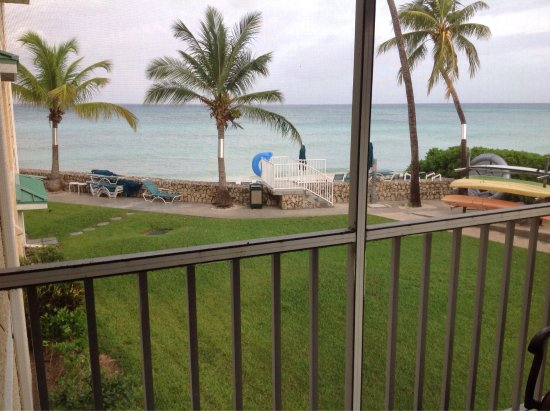 Plantation Village Beach Resort: Balcony views and the ocean front pool