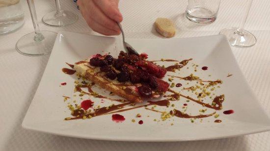 Foix, France: dessert
