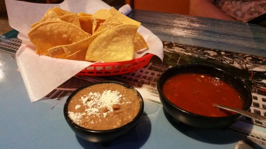 Anderson, CA: Chips with salsa and beans