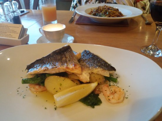 Nether Wasdale, UK: Sea bass,new pots , samphire & brocoli + duck & noodles