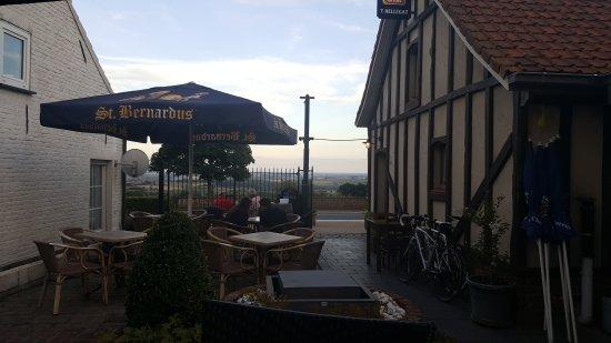 Heuvelland, Belgique : TA_IMG_20170716_210404_large.jpg