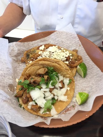 Loganville, Georgien: Tripe Taco and Colorado Beef Platter