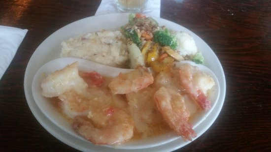 Hernando Beach, FL: Shrimp are HUGE!!!! Nachos are superb!