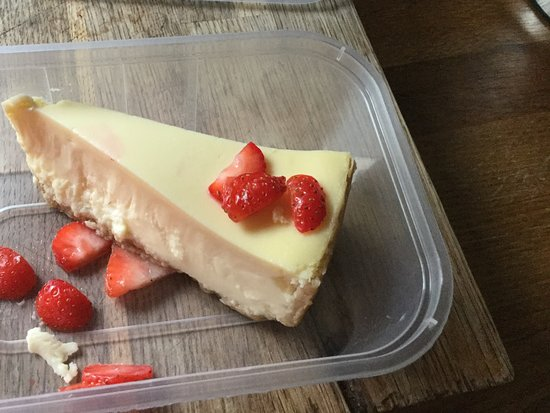 Louth, UK: New York cheesecake.....to go