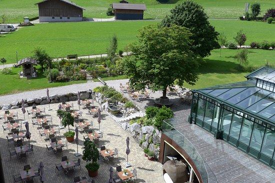 Romantik Hotel der Wiesenhof: Biergarten, Blumengarten