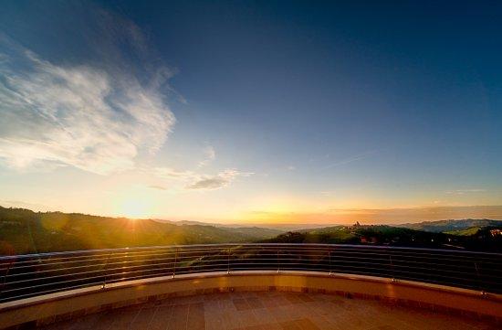 Il Boscareto Resort & SPA: Tramonto Terrazza