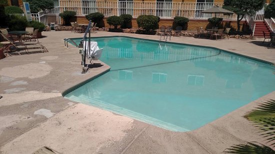 Nogales, AZ: the pool, perfect temp,,