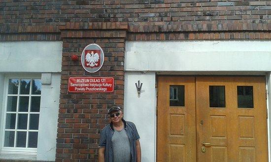 Pruszkow, Poland: Bywam, bo warto! Muzeum to nie tylko eksponaty, to ludzie, którzy przypominają o naszym dziedzic