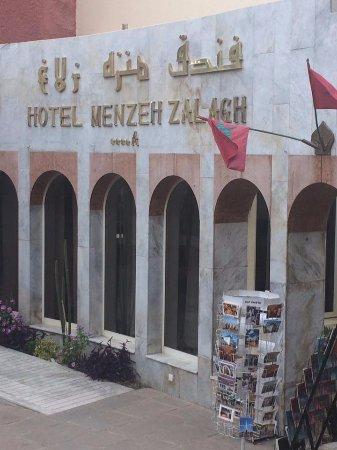 Menzeh Zalagh Hotel: Entrada al hotel
