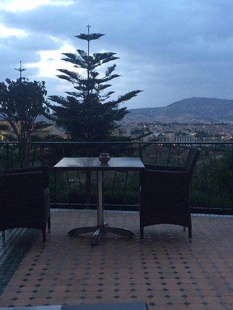 Menzeh Zalagh Hotel: patio- terraza del hotel