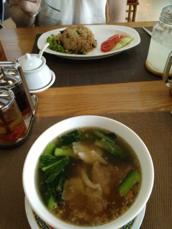 Chinatown Hotel: Lunch