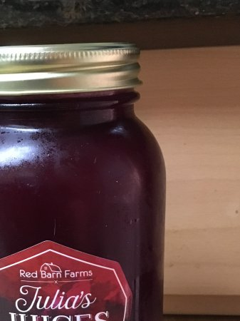 Grover Beach, CA: Blend of Ginger Beet and Cayenne Beet juice in a 32 oz jar to take home with you.