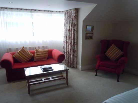 Beech Hill Country House Hotel: Sitting area in bedroom