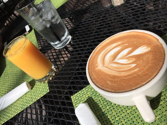 Cottonwood, AZ : Perfect latte and fresh juice