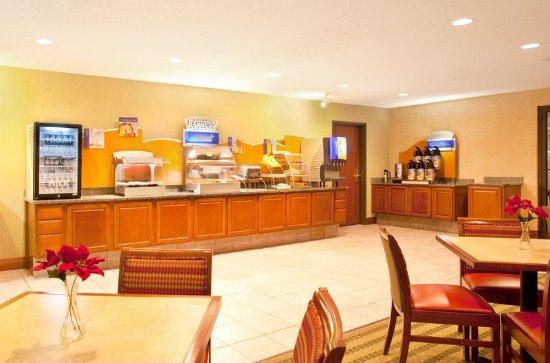 Bourbonnais, IL: Breakfast Bar