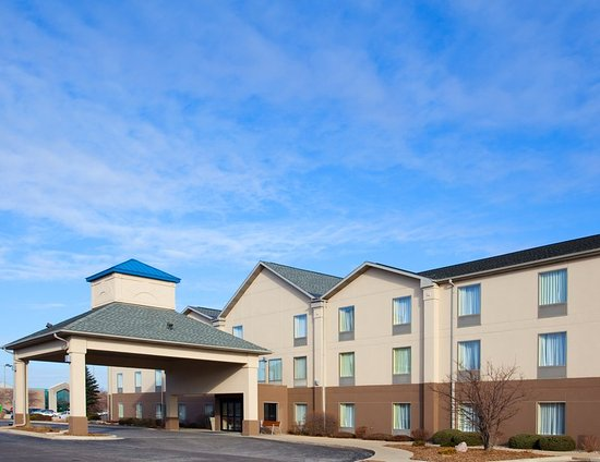 Bourbonnais, Ιλινόις: Stay at Holiday Inn Express minutes from Nucor Steel