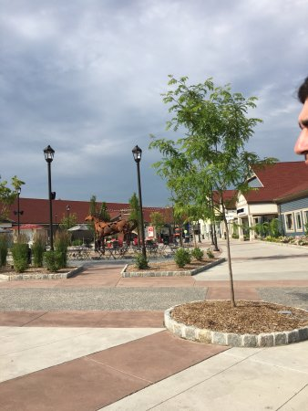 Woodbury Common Premium Outlets: photo4.jpg
