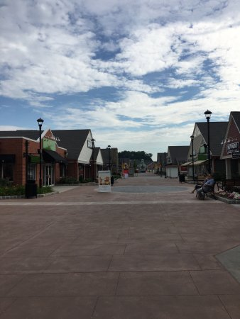 Woodbury Common Premium Outlets: photo6.jpg