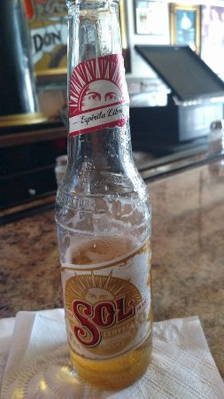 Nogales, AZ: cold beer at the bar