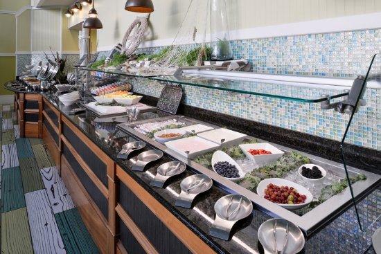 Holiday Inn Va Beach-Oceanside (21st St) : Breakfast Buffet