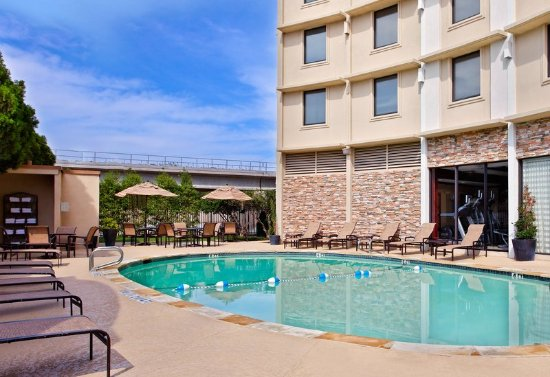 Holiday Inn Dallas Market Center Updated 2017 Prices