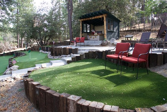 Idyllwild, CA: Small putting green