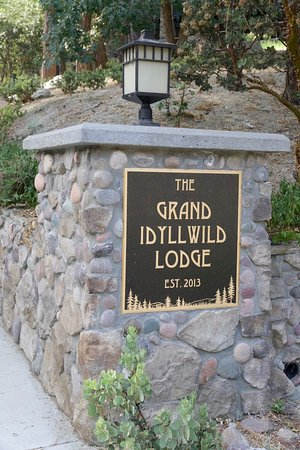 Idyllwild, Californië: Stylish driveway
