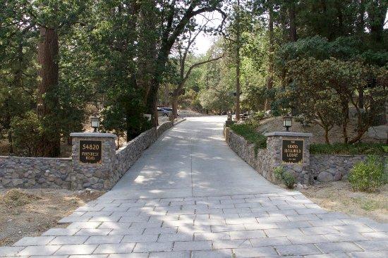 Idyllwild, CA: Stylish driveway