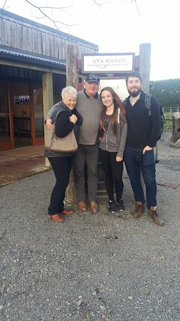 Martinborough, New Zealand: This was a really great, fun tour, thanks to Pete!!