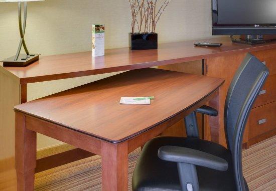 เชลตัน, คอนเน็กติกัต: Guest Room Work Desk